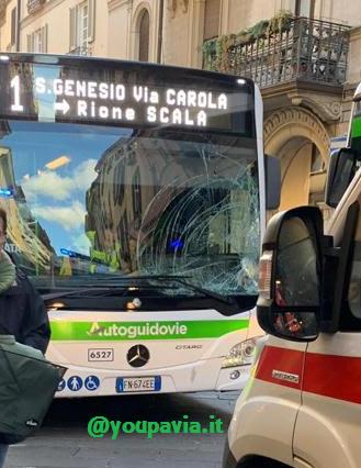 Incidente Bici Autobus in Strada Nuova a Pavia