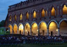 Europei 2020 Italia Spagna al Castello Visconteo per